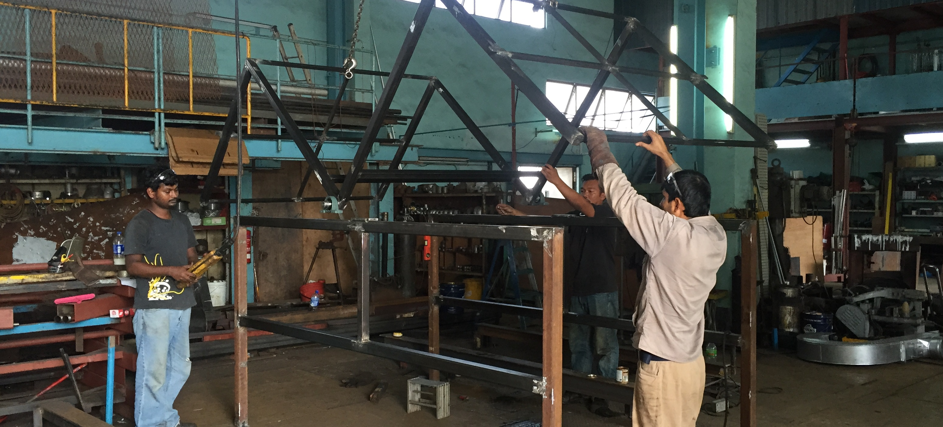 17-Safety cage for IBC tank